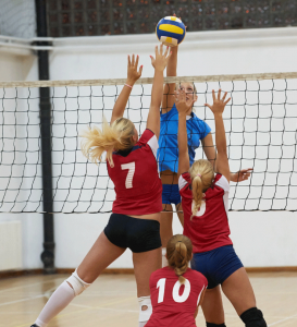 Girls-playing-Volleyball (1)